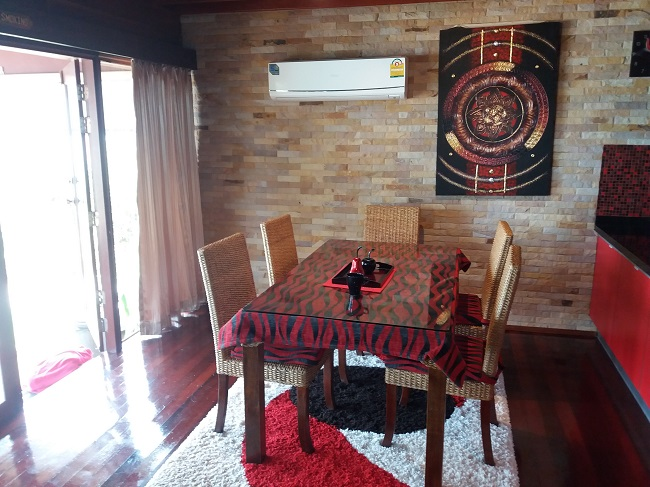 Ko Samui Properties vacation beach villa for sale on long lease, beach villa for sale in Koh Samui, dining area,