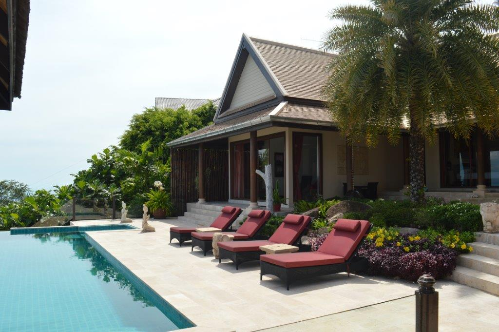 3 Bedroom pool villa with extensive views to the islands and main land.