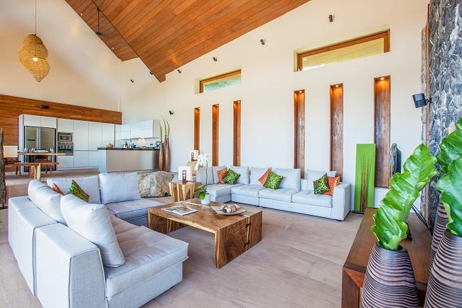 Ko Samui Properties luxury villa for sale, 5 bedroom beach front villa for sale, Baan Hinyai for Sale,