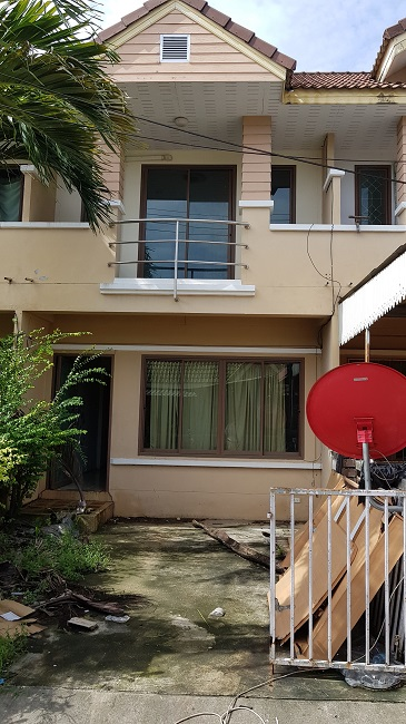 Ko Samui Properties distressed property for sale, two bedroom townhouse for sale in need of restoration,